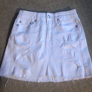 American Eagle White Distressed Denim Skirt